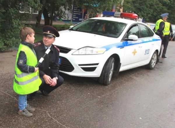 инспектор ГИБДД фото
