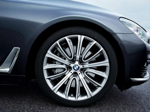 BMW 7 Series Long фото